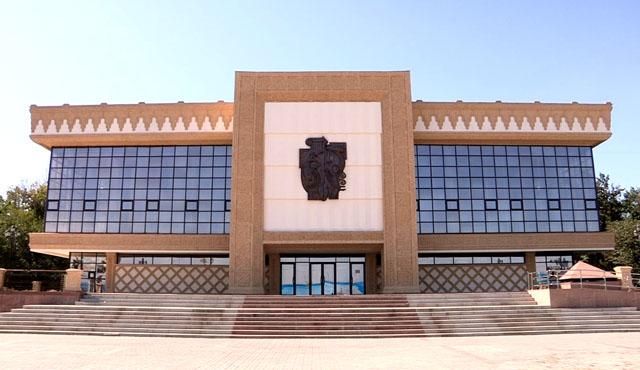 Областной русский драматический театр в Шымкенте